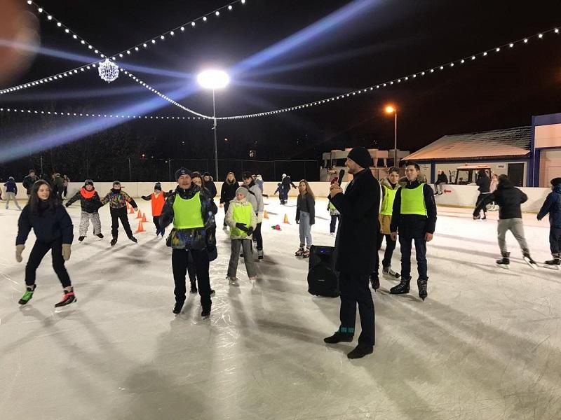 Жители Братеева отметили открытие зимнего сезона